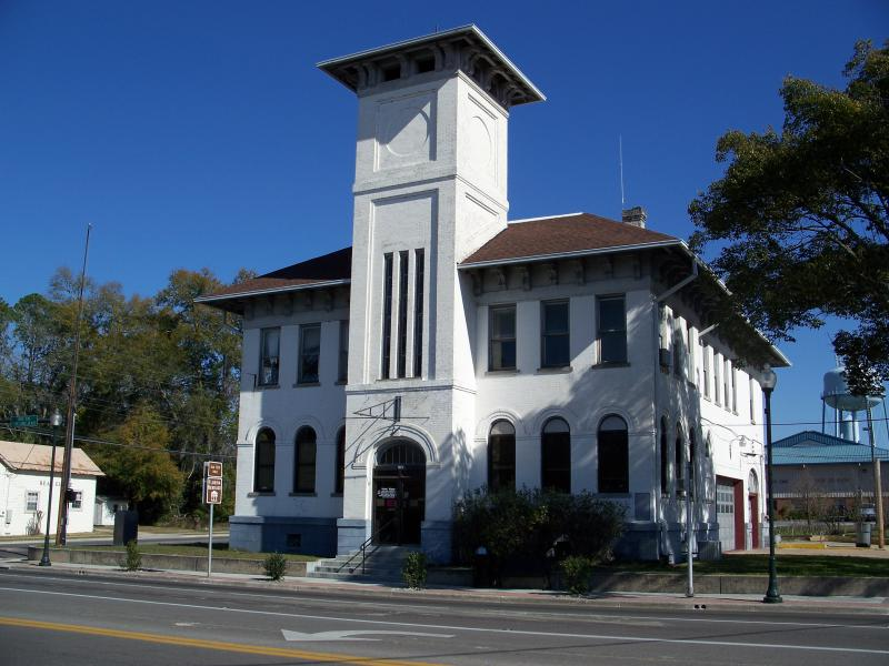 Live Oak City Hall02